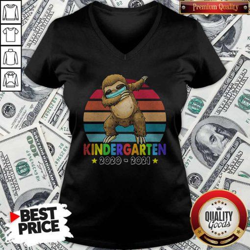 Kinder Garten 2020 2021 Sloth Vintage Retro V-neck